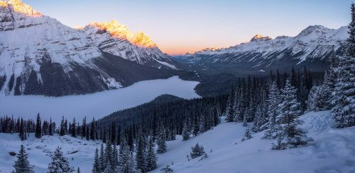 Peyto Lake in Westkanada im Winter